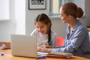 L'école à la maison, ce n'est pas toujours ce qu'il y a de plus facile à assumer. (Photo: Shutterstock)