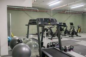Le centre propose différents services, dont une salle de sport. ((Photo: Matic Zorman))