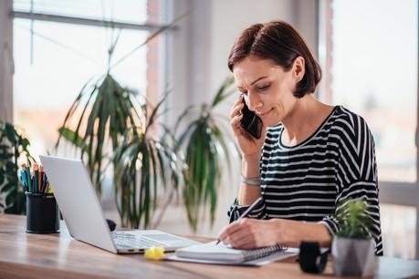 De nombreux Belges sont actuellement obligés de télétravailler. Des jours qui ne compteront pas dans le total fiscalement toléré. (Photo: Shutterstock)