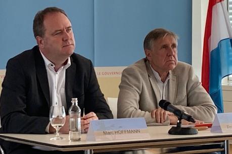 Marc Hoffmann et François Bausch mettent en avant le service de qualité auquel les voyageurs pourront s'attendre à compter du printemps2020, loin des CFL à bas prix que craignaient les syndicats à l'annonce de la gratuité des transports en commun. (Photo: Paperjam)